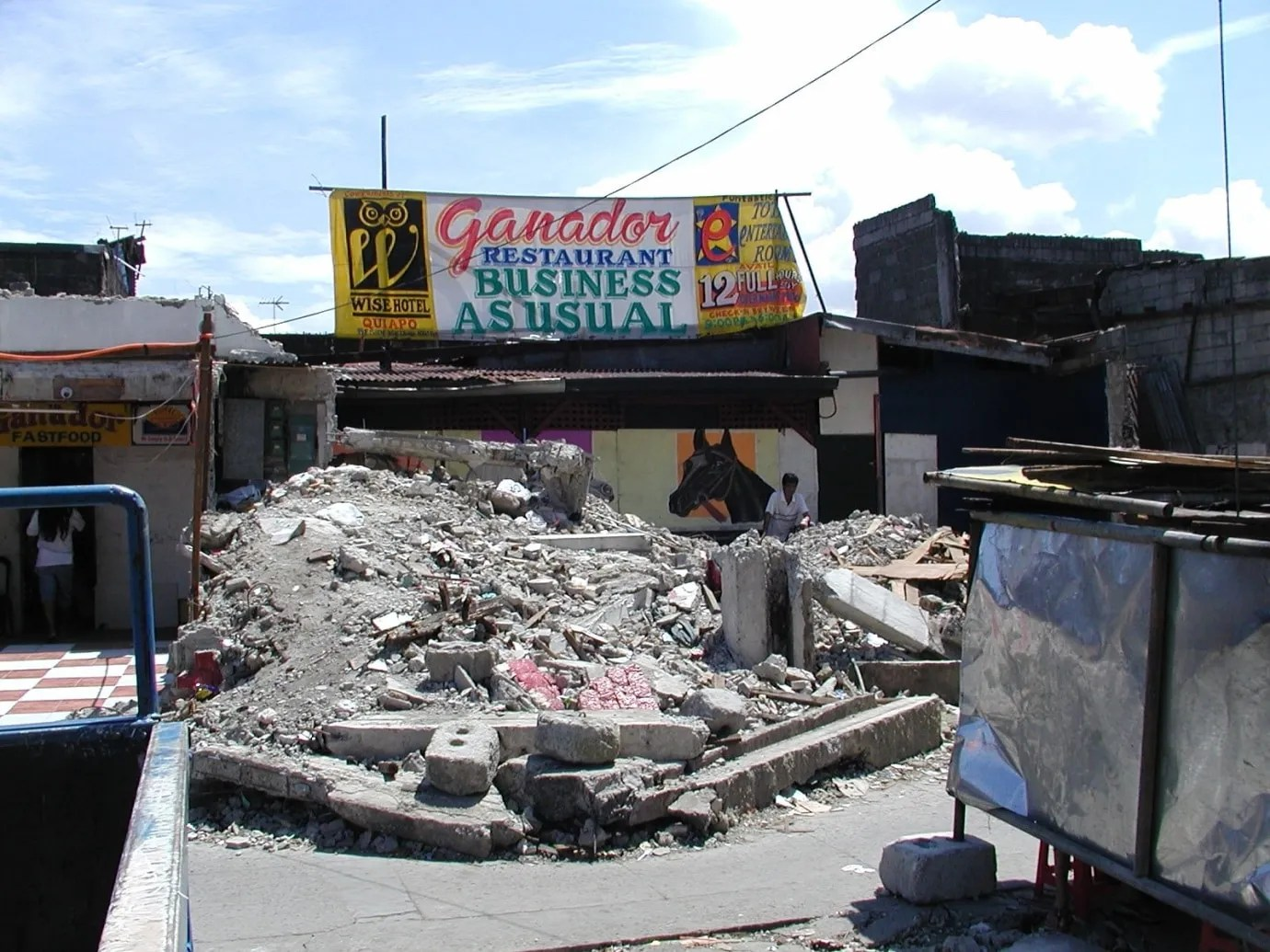 restaurant in Manilla rises from the rubble