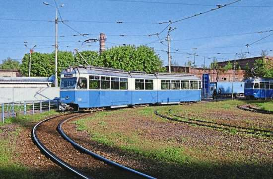 Sold for future use: Former Zurich Be4/6 tram 1659 in use in Vinnytsia, Ukraine, as number 335. It is seen on May 13. CLIVE HAINES