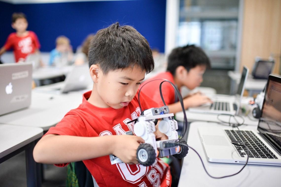 CampAsia_Summer_Holiday_Camps_Singapore_Robotics (2)