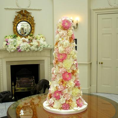 Classic Wedding Cakes Vintage and Retro Wedding Cake Designs     Lavishly tall Wedding Cake covered in sugar flowers