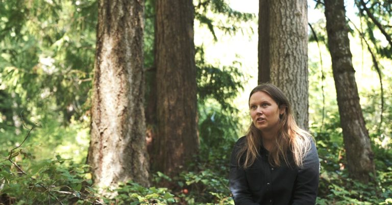 Salmon, Bears and People – The Raincoast Applied Conservation Lab