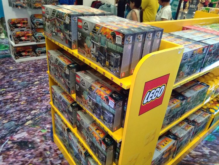 Laj Launches 12 Jurassic World Lego Sets To Collect Raincheck