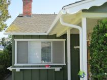 aluminum gutters on bungalow los angeles california