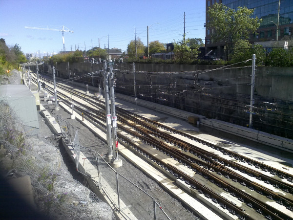 The east side of Tunney's Pasture and extra space of the former BRT right of way. (Image Credit: Fraser Pollock)