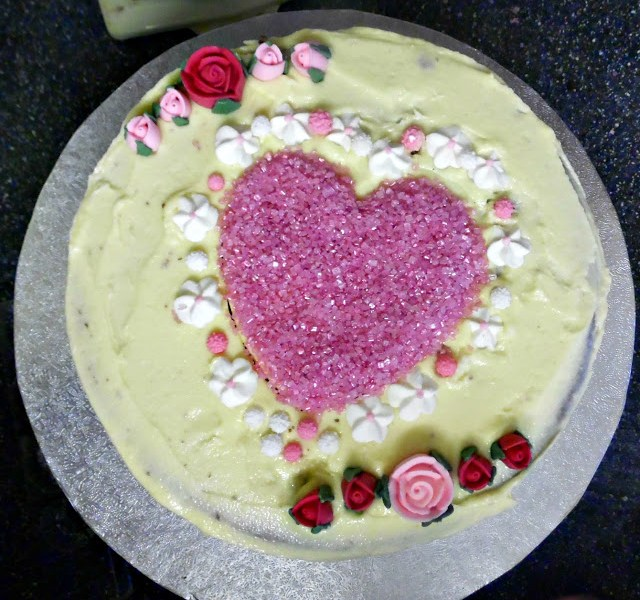 Valentines Cake with hearts and flowers