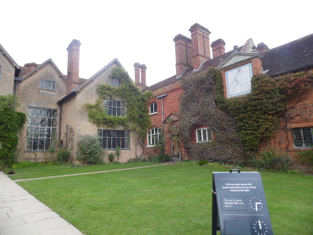 front of Packwood House in Warwickshire