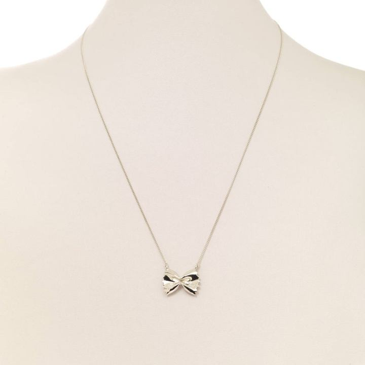 silver piece of farfalle necklace