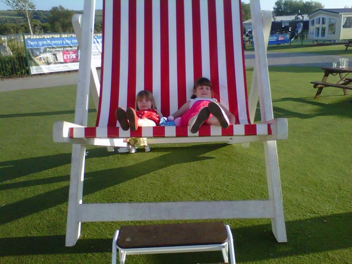 Boo and Star in huge deckchair in 2013