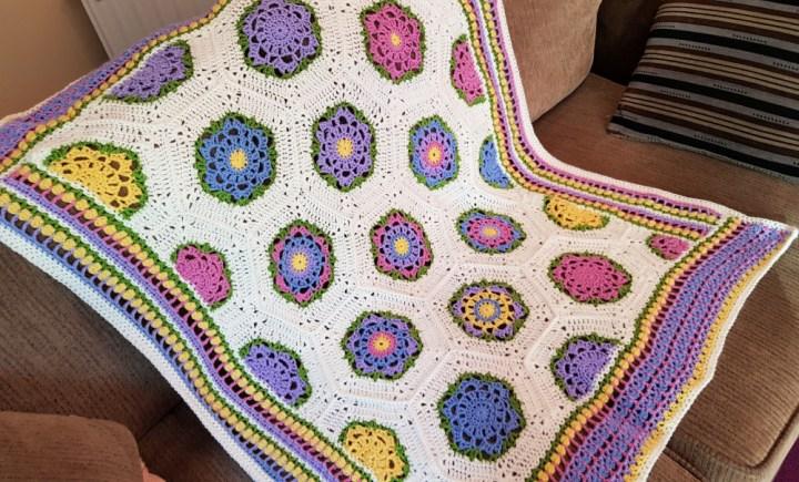 crochet baby blooms blanket
