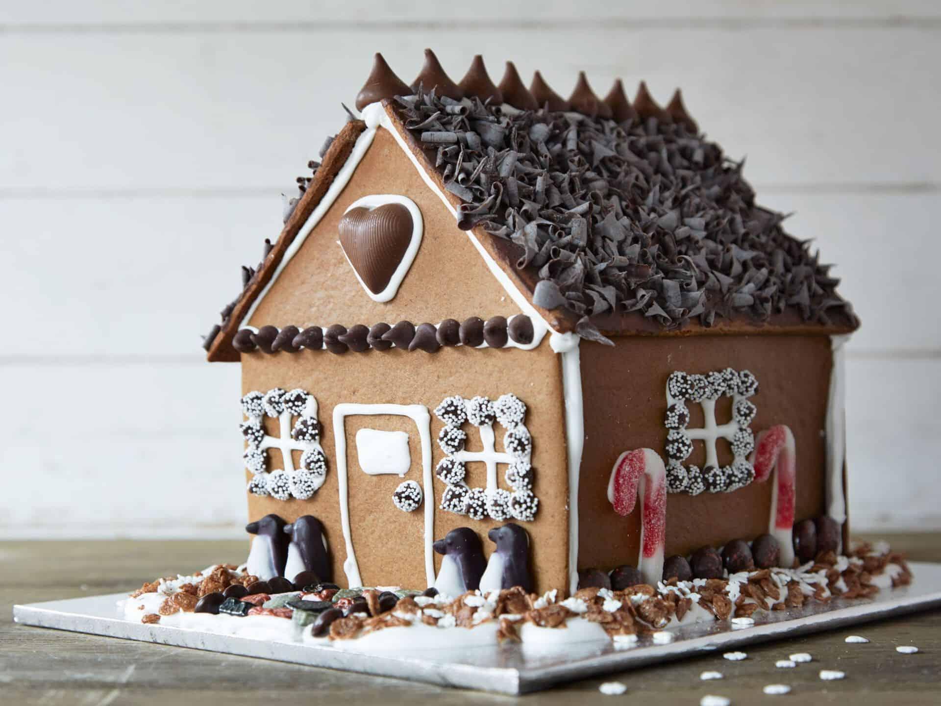 7 Holiday Gingerbread House Workshops For Kids In Edmonton