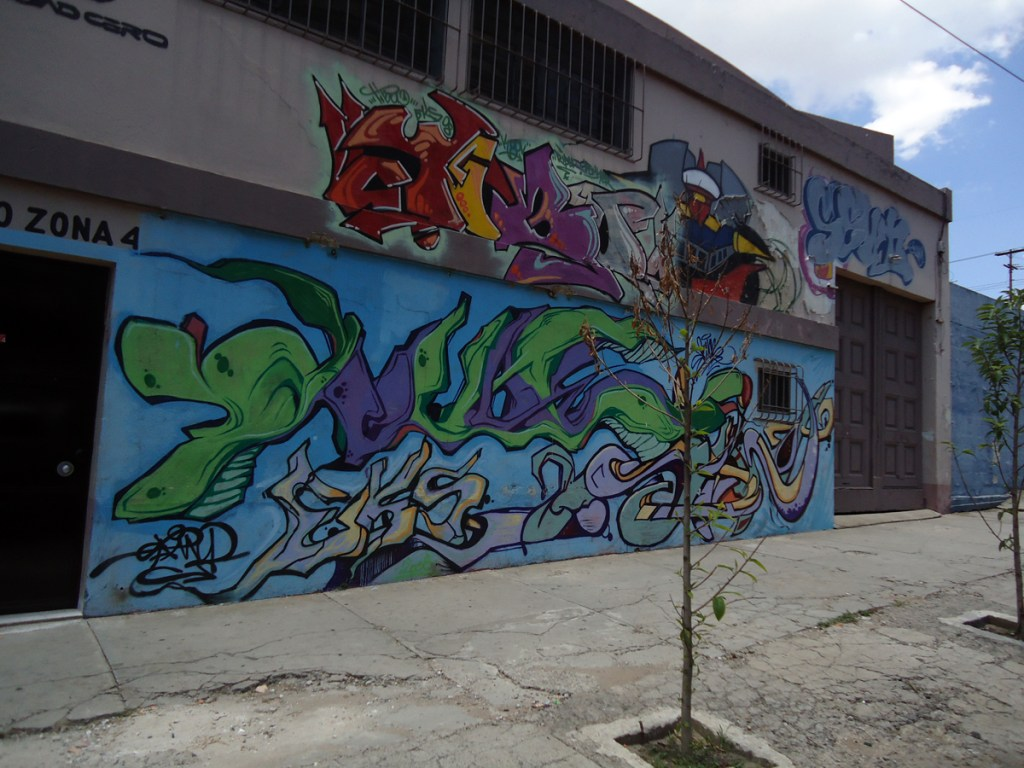 Graffiti in Guate
