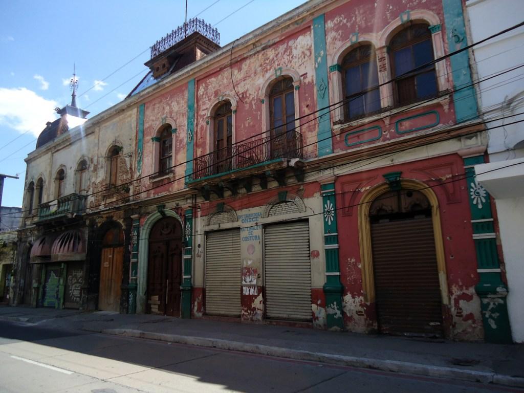Beautiful building facade in Zona 1.