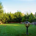Градина на Къща за гости Райски Кът Мезек