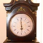 Часовник в Двойна стая в Къща за гости Райски Кът Мезек
