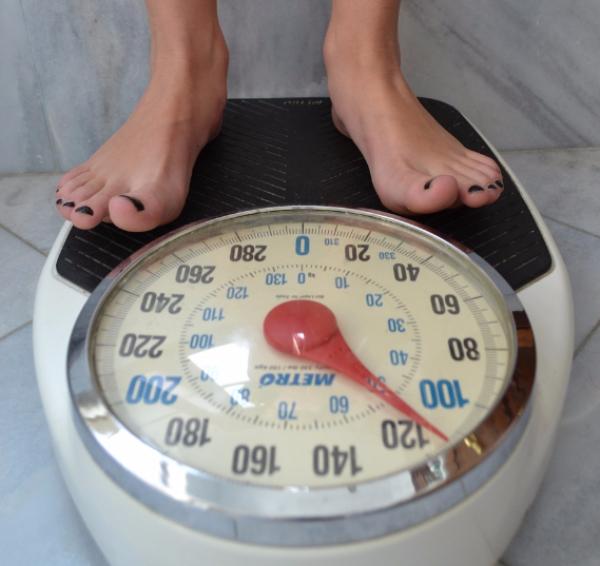 rester mince balance poids