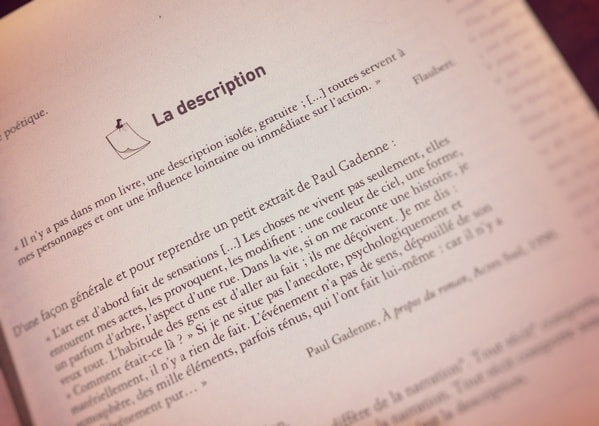 Page livre description citation paragraphe