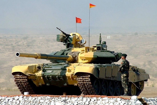 Arjun-Mark-II-and-T-90S-Main-battle-Tanks-of-India-2