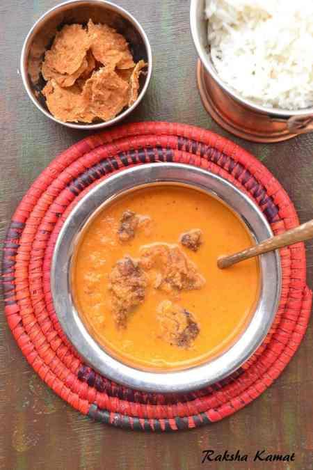 Vodya Ross, Vodyache Aam, Goan Vodya ross, Goan curry with vodyo, Vodyacho Ross, Vodyo, Goan style vodyacho ross, Fryums with bottlegourd curry, Vodya aam