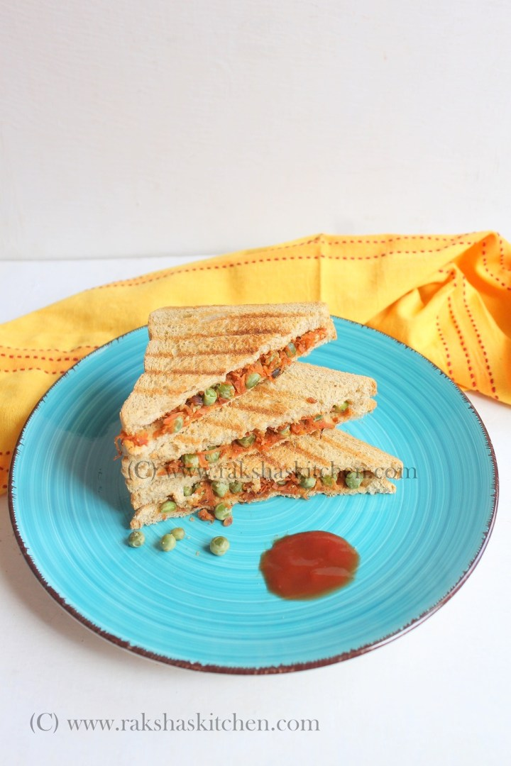 carrot and green peas sandwich