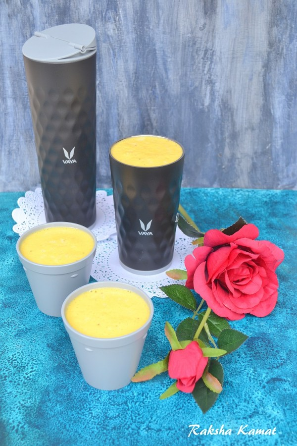 Vaya Drynk, Mango and banana milkshake, mango milkshake, summer drinks, milkshake, fruit shake, smoothie
