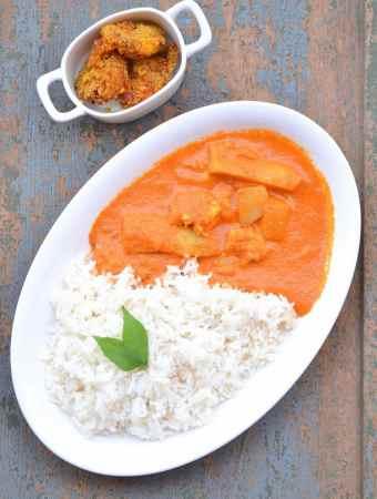 Prawns curry with radish and raw mango