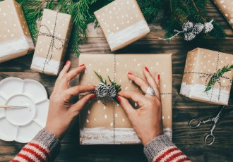 Need last minute presents? We dish on the best inexpensive gifts you can get in a hurry + earn money back in your wallet!