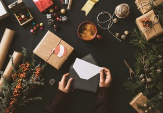 Hello Holiday Cards! From DIY to Designed Masterpieces, you're sure to put a smile on everyone's face this holiday season