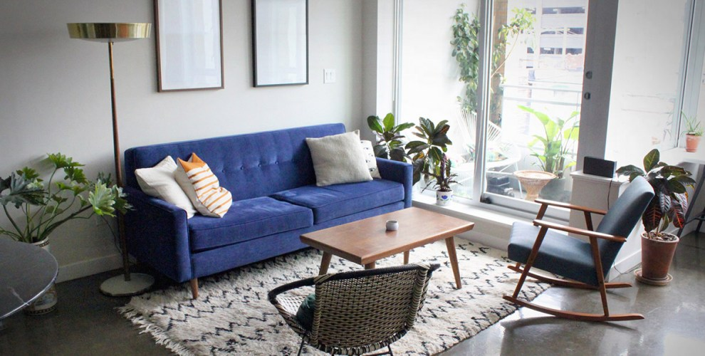 Pantone Colour of the Year: Classic Blue in Decor, Fashion & more!