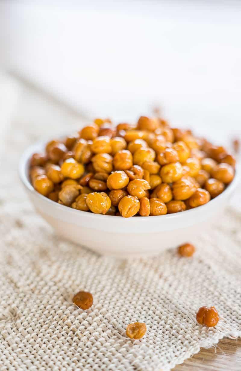 Crunchy Garlic Roasted Chickpeas
