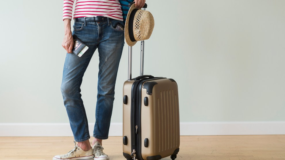 4 Ways to Maximize Your Holiday Travel Budget