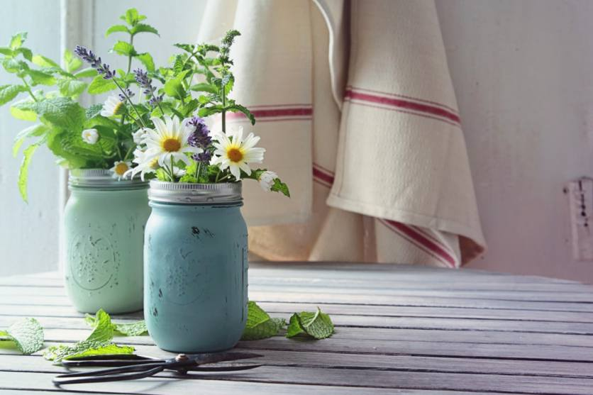 5 Ways to Incorporate Spring Trends Into Your Home Decor