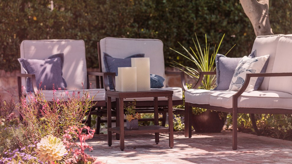 7 Patio Essentials to Make Outdoor Entertaining a Breeze