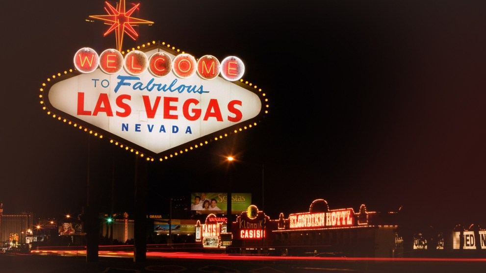 The Ultimate Guide on How to Spend 48 Hours in Las Vegas and Earn Cash Back