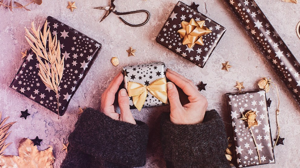 8 Well-Received Gifts to Have on Hand for the Holidays