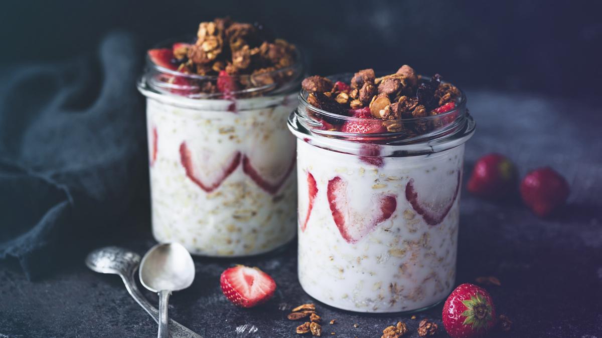 Yogurt chia parfait