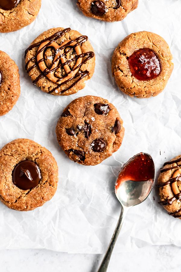 5-Ingredient Vegan Peanut Butter Cookies