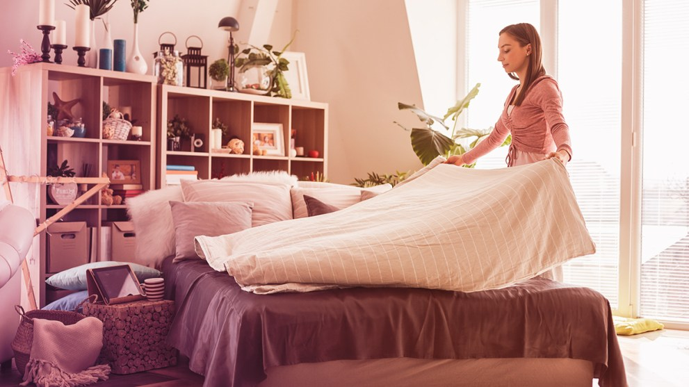 Home Hacks: 9 Tips to Organize Your Bedroom