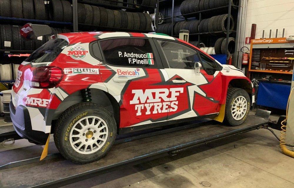 Paolo Andreucci sur la terre avec MRF Tyres !