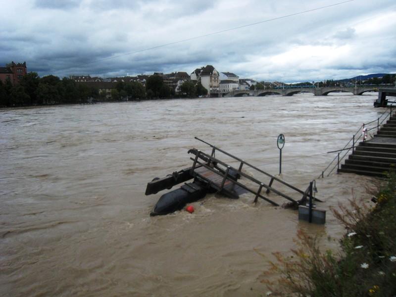 Hochwasser Basel am Rheinknie