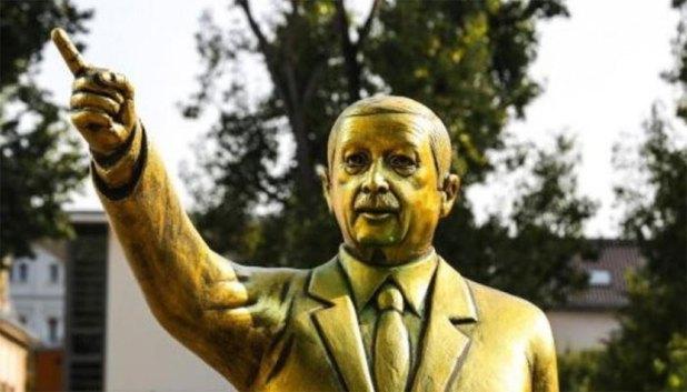 Erdogan-Statue-3