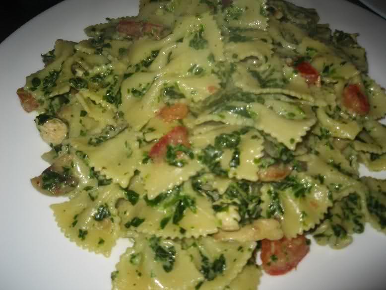 Pasta met kipfilet, spinazie en Boursin