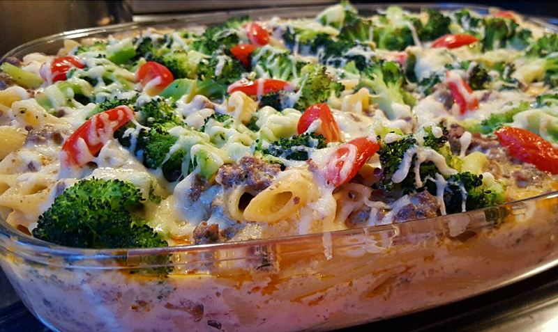Pasta ovenschotel met gehakt en broccoli