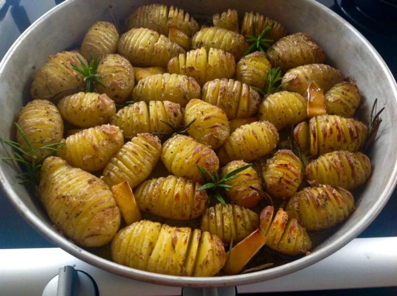 Zweedse Hasselback aardappelen