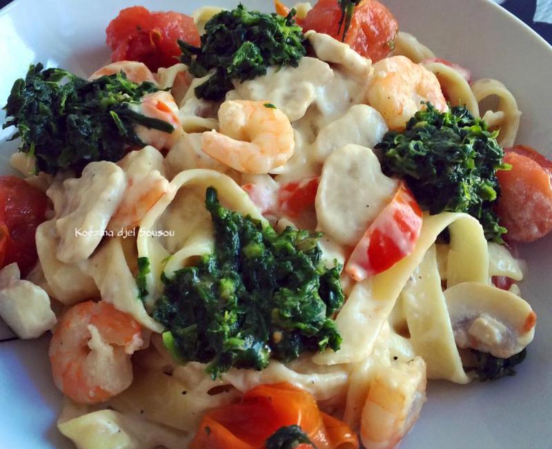 Tagliatelle met garnalen, spinazie en roomsaus