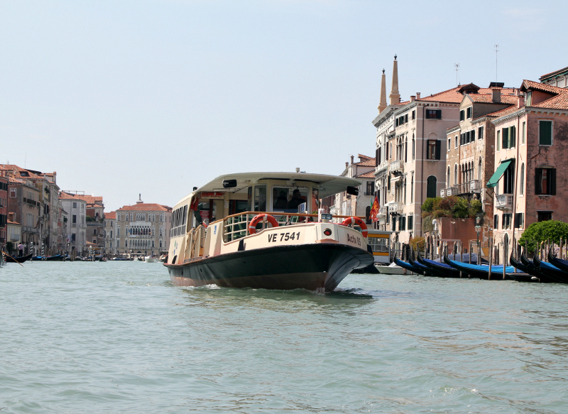 vaporetto_waterbus_venice