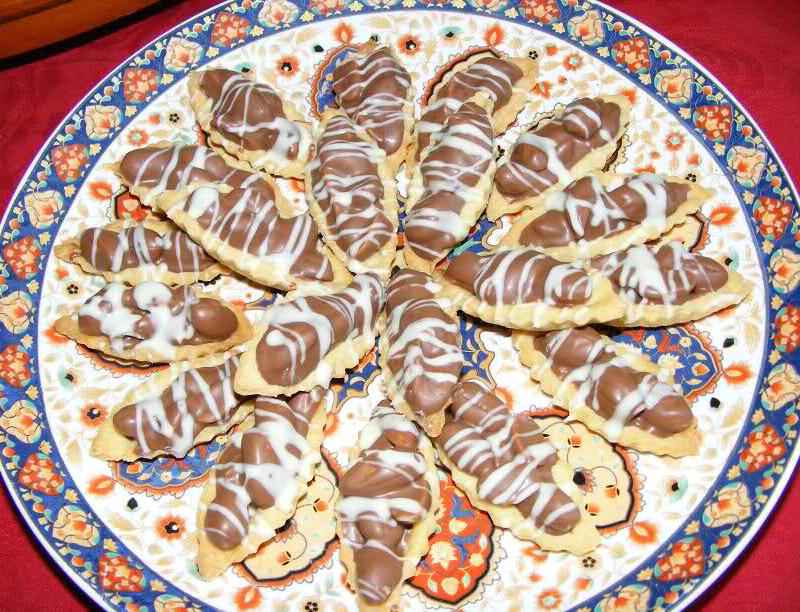 Bootjes gevuld met pinda's en chocolade