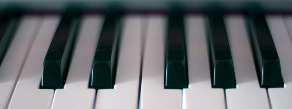 https://i2.wp.com/www.ramonaluengen.com/wp-content/uploads/2013/01/piano_blur_960.jpg?resize=960%2C360