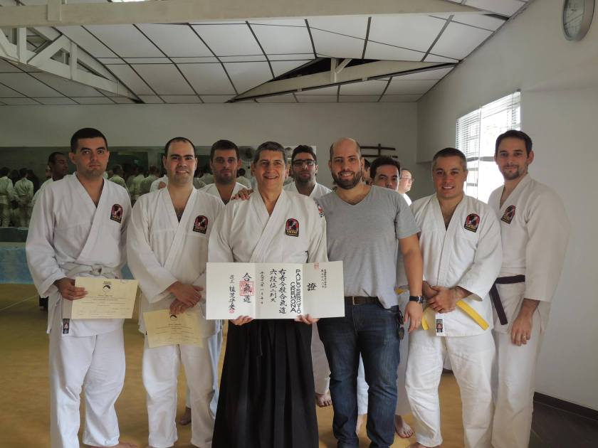 Cremona Sensei recebendo seu 6º Dan