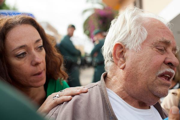 Antonio junto a la presidenta de la Plataforma de Afectados por las Hipotecas de Tenerife, Inma Évora. Foto: Ramón de la Rocha