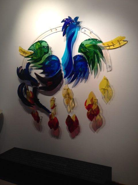 Hier hangt een kunstwerk door Marleen Veninga (Veldwerk Vuurwerkramp in Enschede)